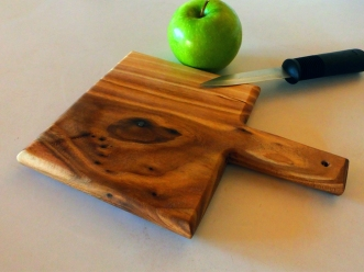 Siberian Elm, Cutting board by Noah Hughes